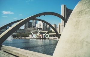 Toronto newcomers moving guide- get to know Toronto before you move there