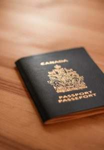 What kind of visa should you obtain to be able to work in Florida after moving from Canada