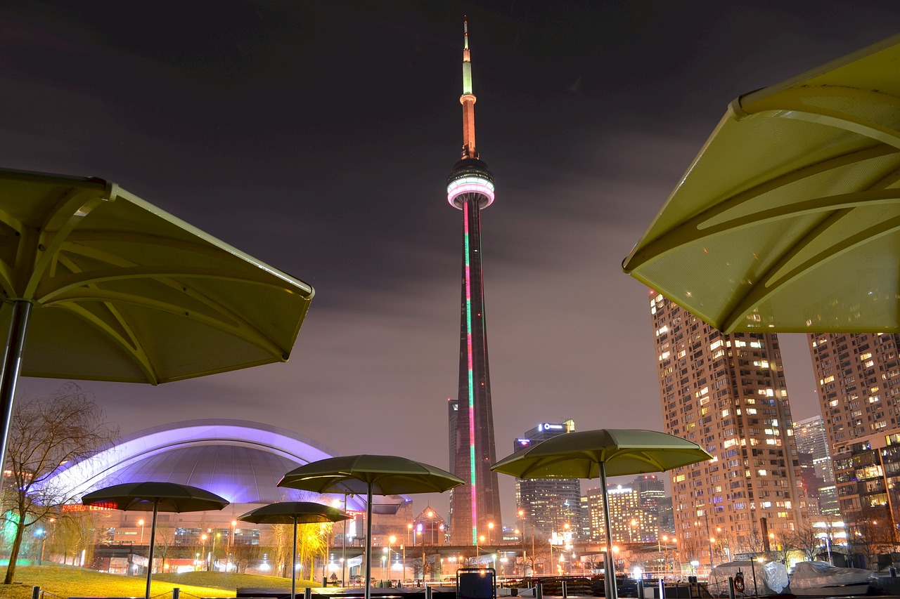 Toronto's attractions: places you must see