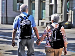 An old couple is dicovering reasons why Canadians move to Virginia to retire.